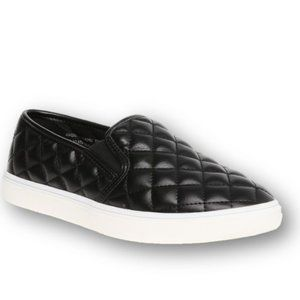 Time & Tru  Black Quilted Slip-On Sneaker SZ 9 NWT
